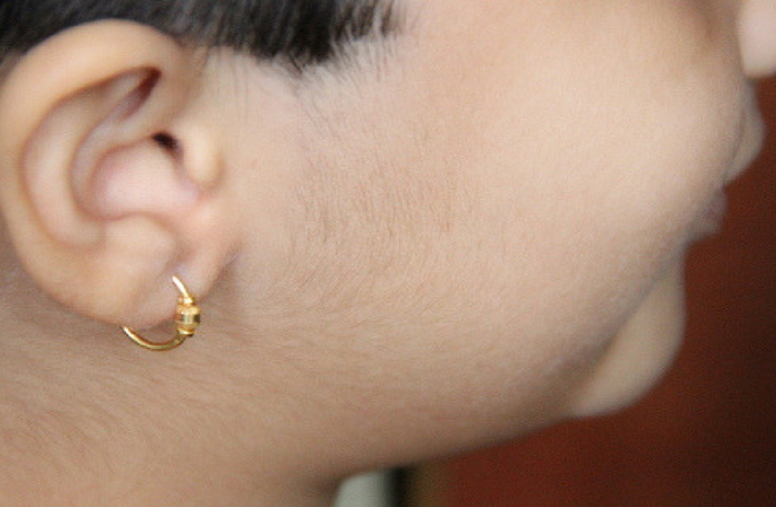 लड़कियों के कान कब और क्यों छिदवाने चाहिए?